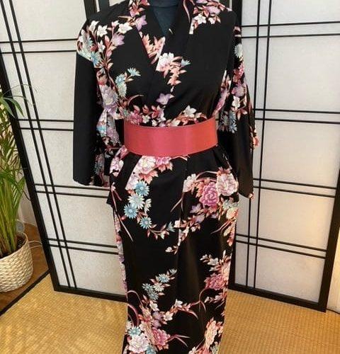 Yukata femme pivoine crhysanthème noir